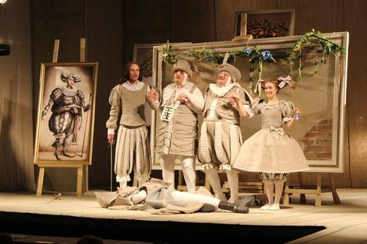 В драмтеатре состоялась премьера спектакля «Романтики»